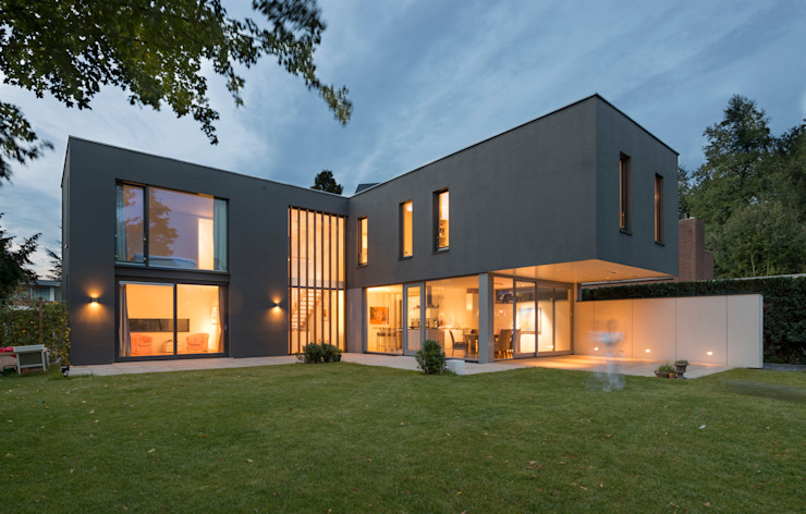 Houses by Architect2GO, Modern