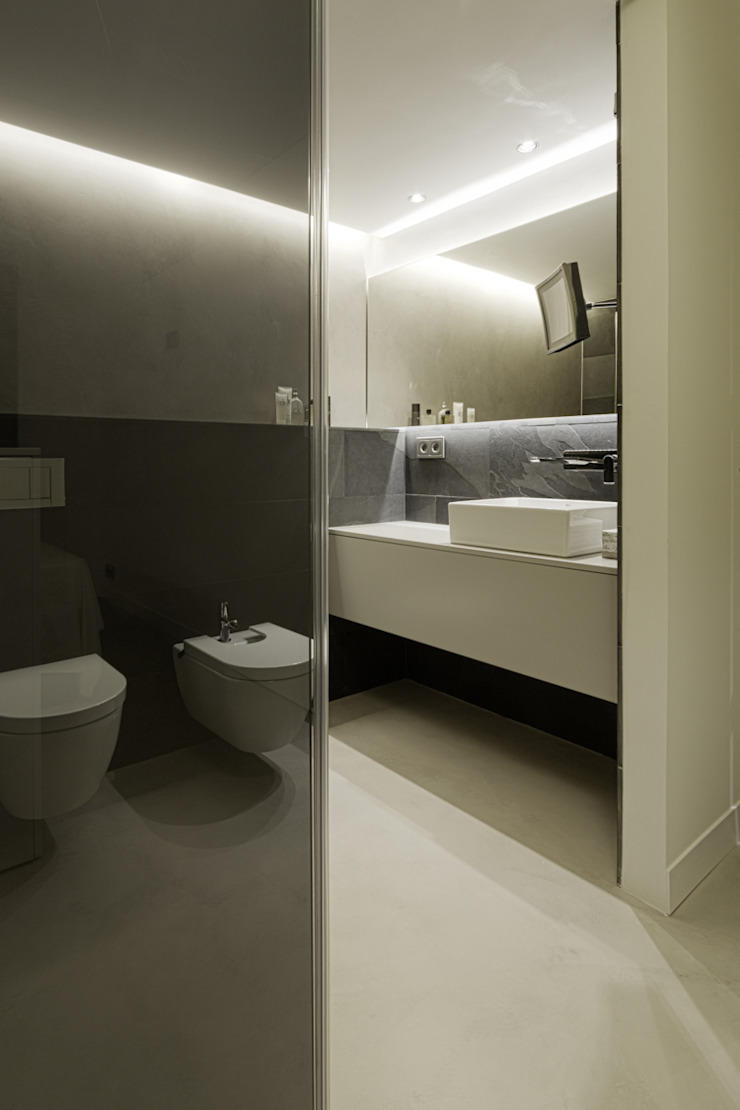 mae arquitectura Modern style bathrooms