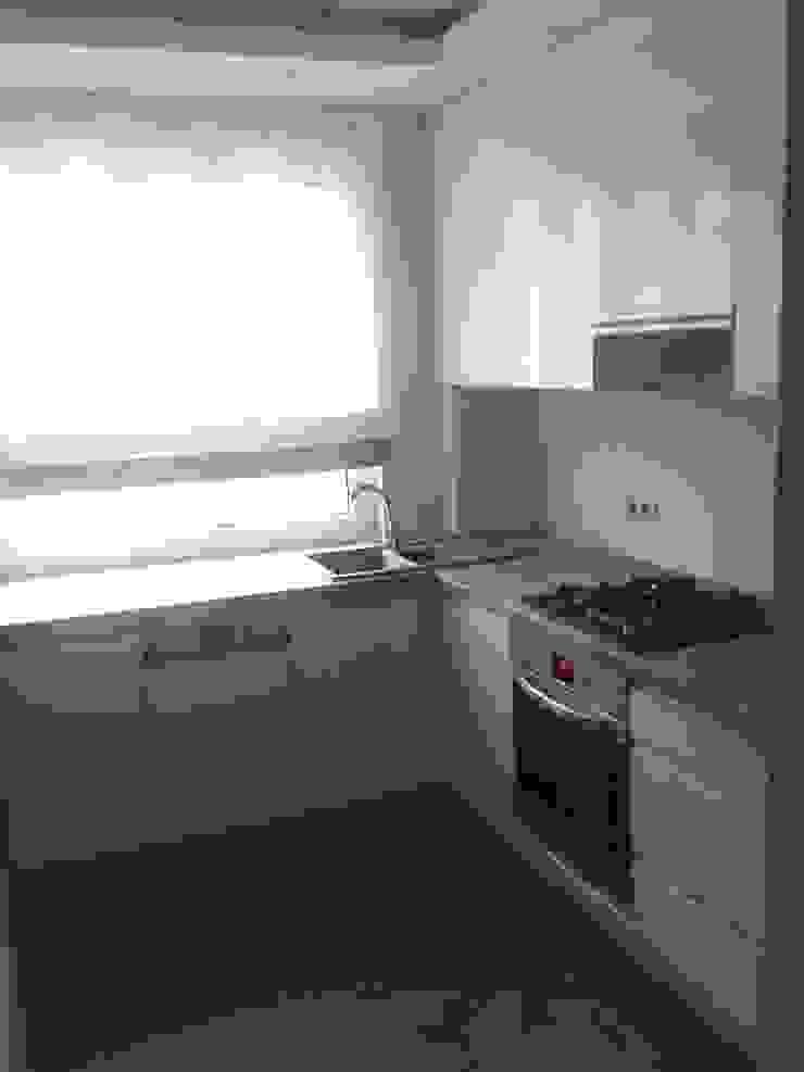 Mieszkanie na wynajem Nowoczesna kuchnia od studio bonito Nowoczesny