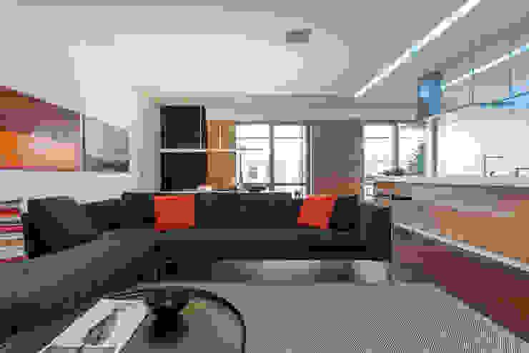 apartment V-21 VALENTIROV&PARTNERS Salones minimalistas