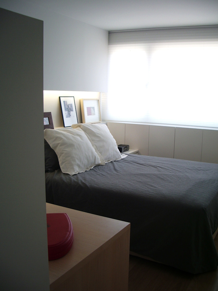 mae arquitectura Modern style bedroom