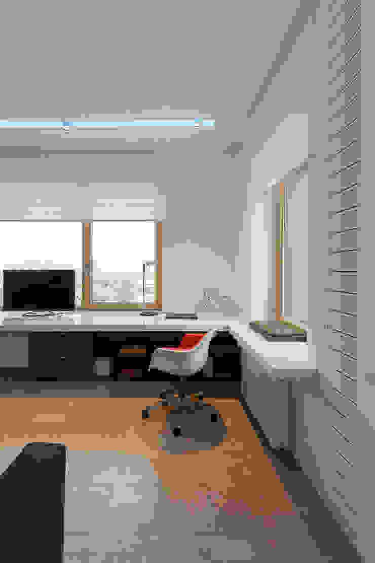 apartment V-21 Dormitorios infantiles de estilo minimalista de VALENTIROV&PARTNERS Minimalista