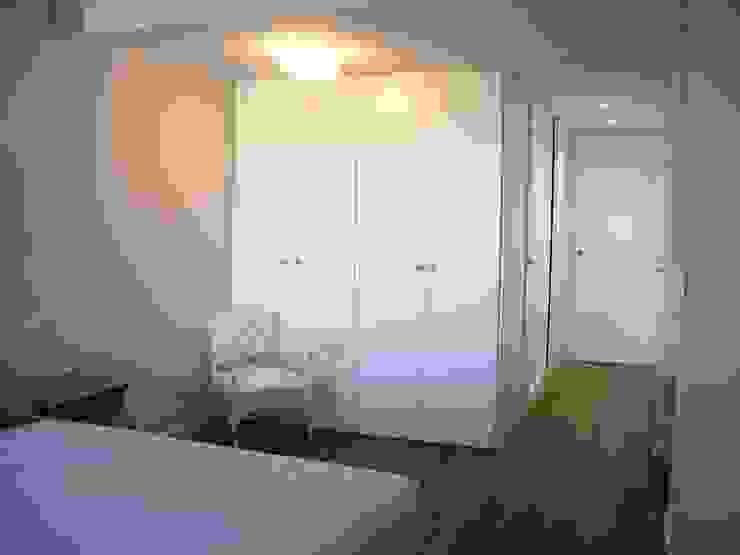 VIVIENDA CHG Dormitorios de estilo moderno de mae arquitectura Moderno