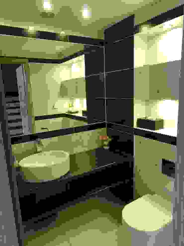 Dom w zabudowie szeregowej Nowoczesna łazienka od studio bonito Nowoczesny