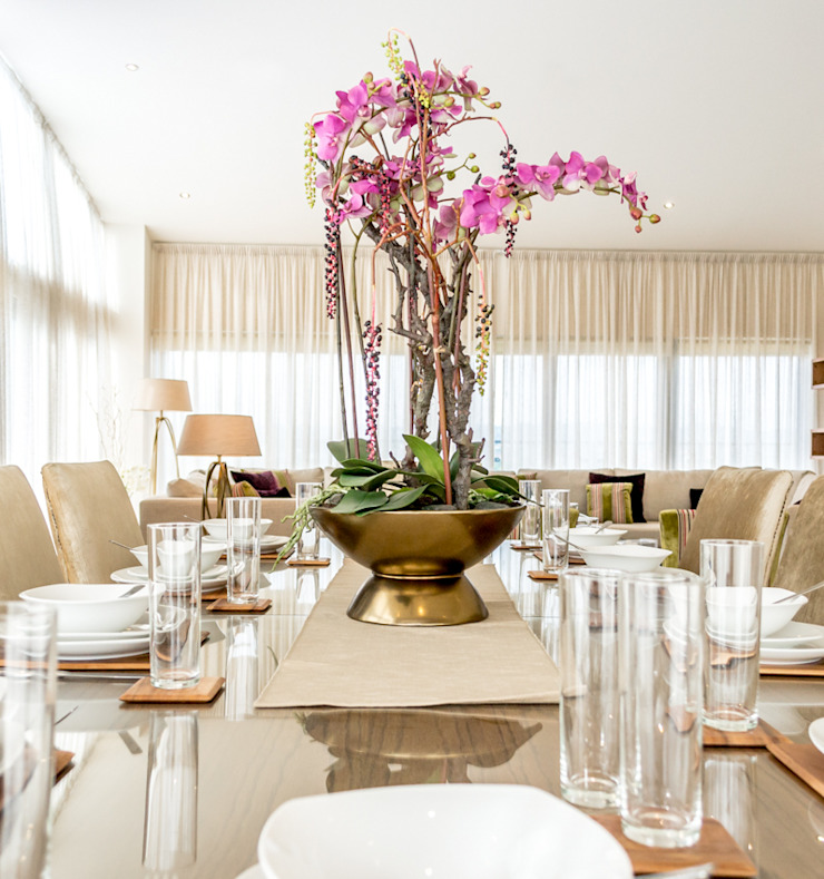 Dinning room Modern dining room by In:Style Direct Modern