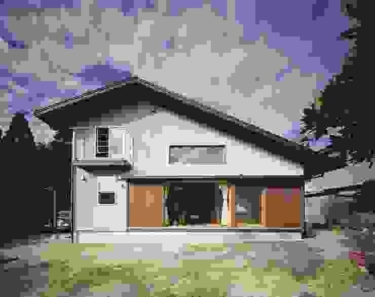 ファサード オリジナルな 家 の 松デザインオフィス オリジナル