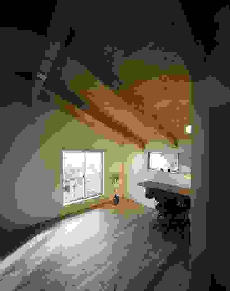 アトリエ オリジナルデザインの 書斎 の 松デザインオフィス オリジナル