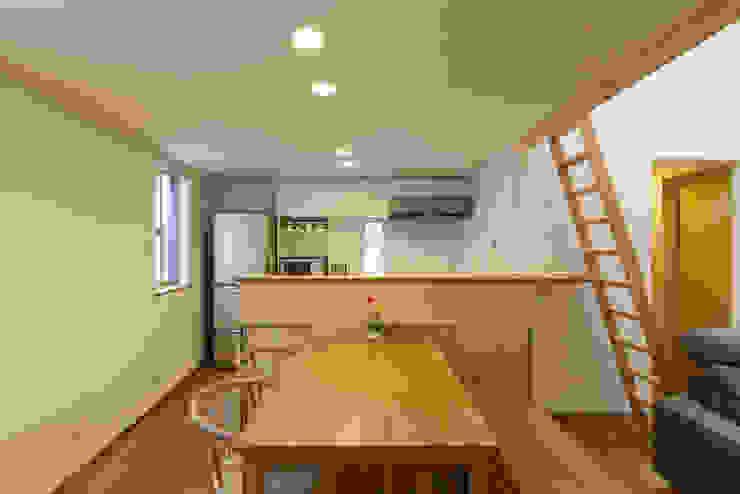 Ruang Makan Gaya Skandinavia Oleh 光風舎1級建築士事務所 Skandinavia