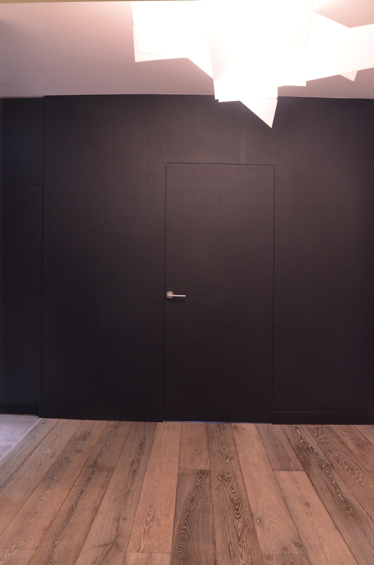 Minimalist corridor, hallway & stairs by MG Interior Studio Michał Głuszak Minimalist