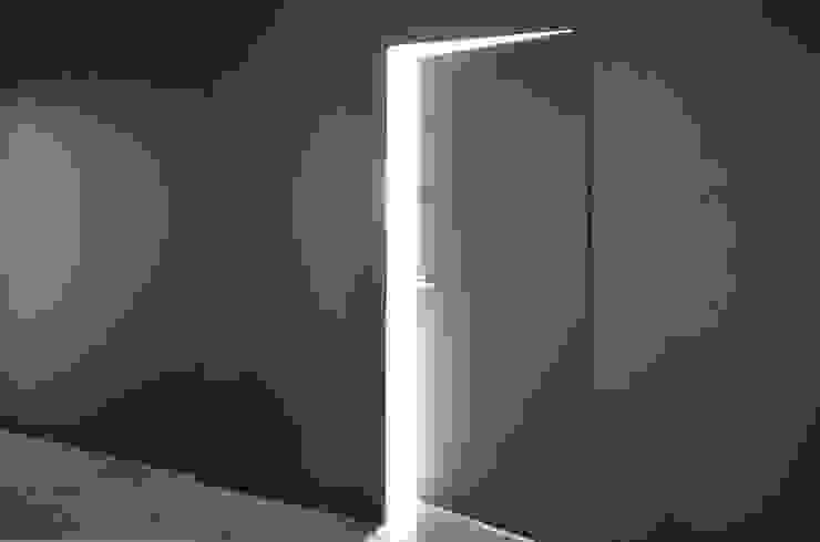 Puertas y ventanas minimalistas de MG Interior Studio Michał Głuszak Minimalista