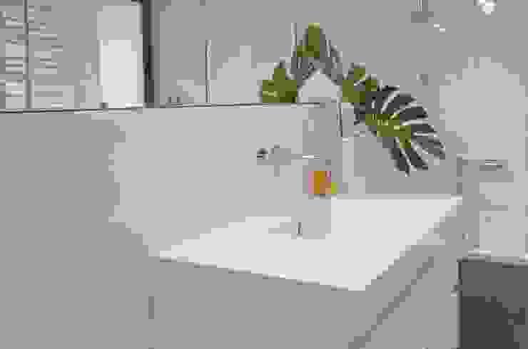 Modern bathroom by MG Interior Studio Michał Głuszak Modern