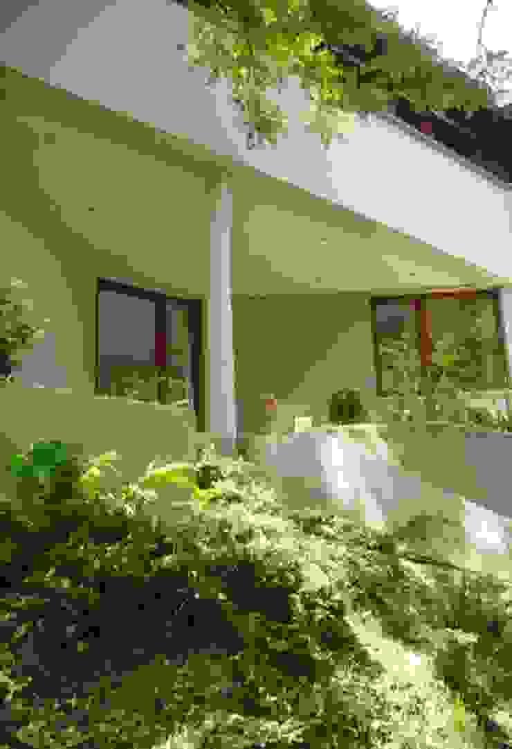 Dom w Wilanowie Nowoczesne domy od atz-studio Nowoczesny