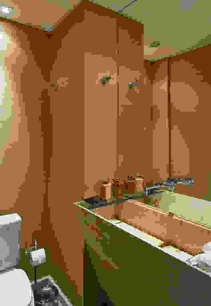 GRAN PARC VILA NOVA Banheiros clássicos por GUSTAVO GARCIA ARQUITETURA E DESIGN Clássico