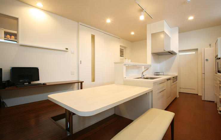 Kitchen by 吉田設計+アトリエアジュール,