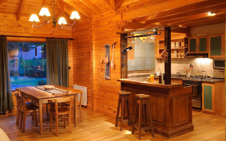 Country style dining room by Patagonia Log Homes - Arquitectos - Neuquén Country Wood Wood effect