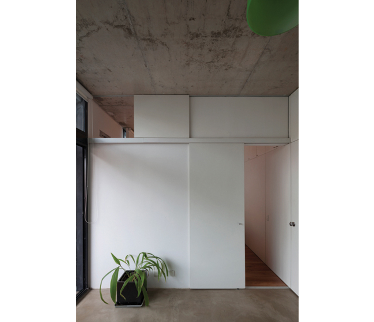 Modern corridor, hallway & stairs by IR arquitectura Modern Wood Wood effect
