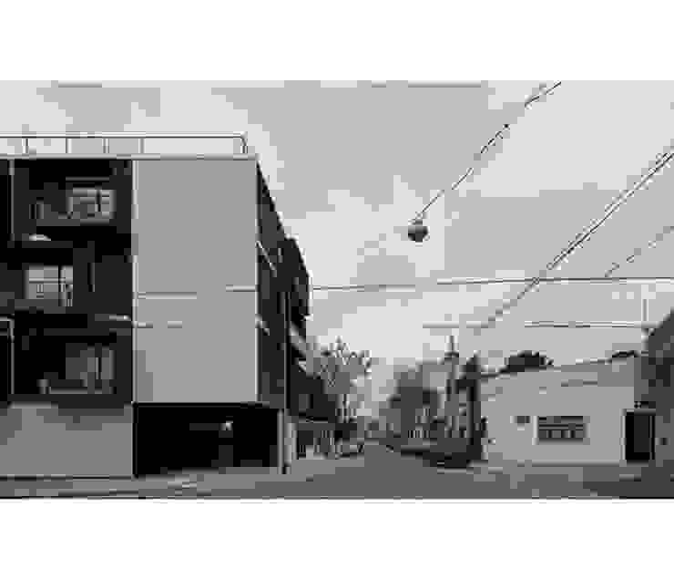 Modern houses by IR arquitectura Modern Limestone