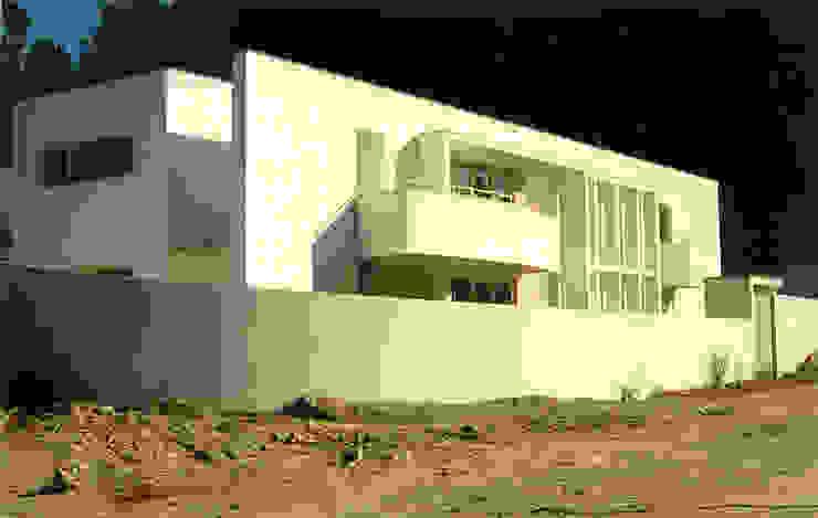 Vista noroeste Casas modernas por José Melo Ferreira, Arquitecto Moderno