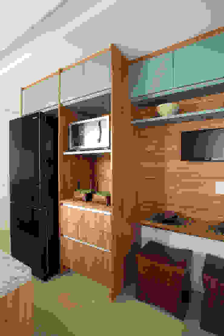 Liliana Zenaro Interiores Modern style kitchen