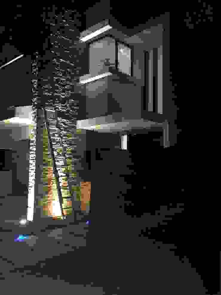 casa 79 Casas modernas de Hussein Garzon arquitectura Moderno