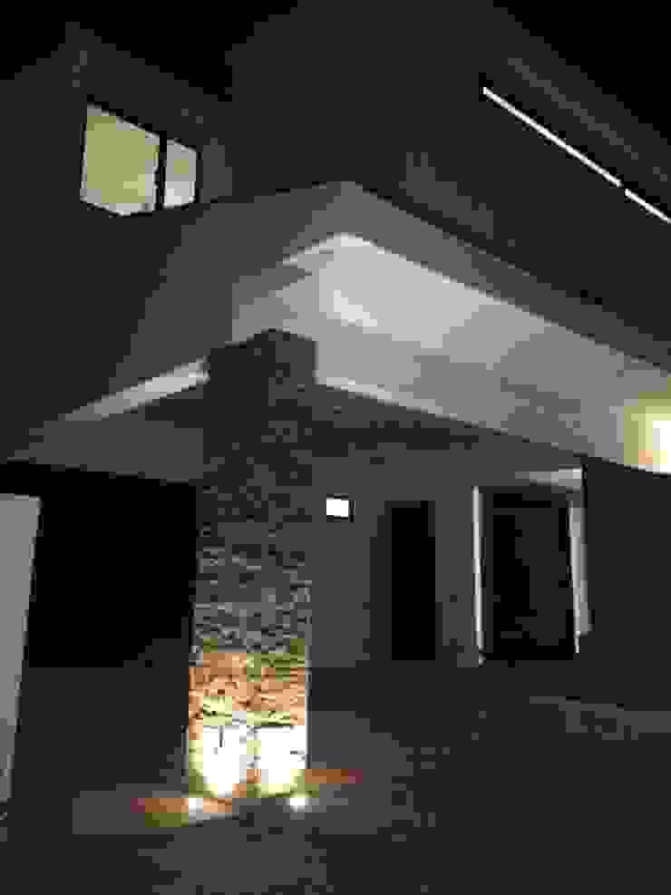 casa 79 Garajes modernos de Hussein Garzon arquitectura Moderno
