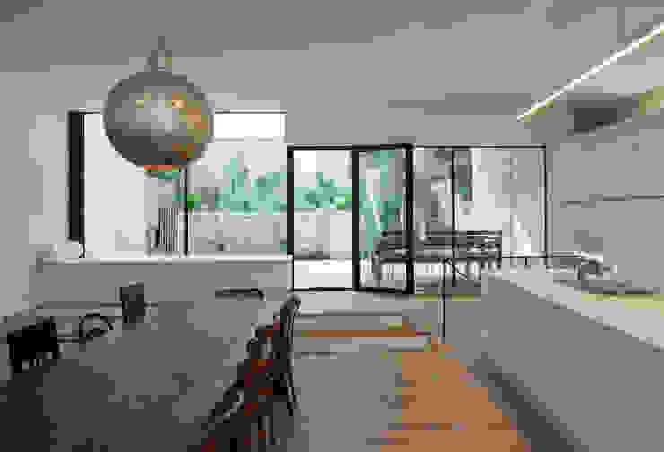 schröckenfuchs∞architektur Modern dining room