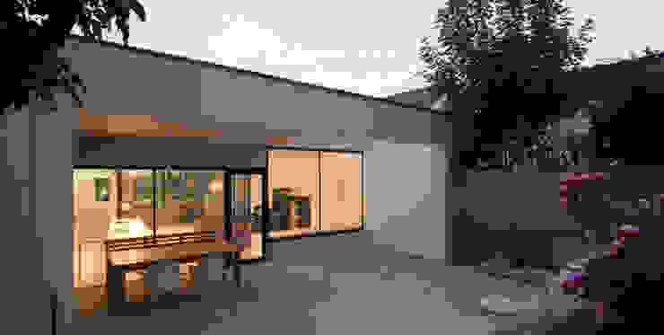 Balcon, Veranda & Terrasse modernes par schröckenfuchs∞architektur Moderne