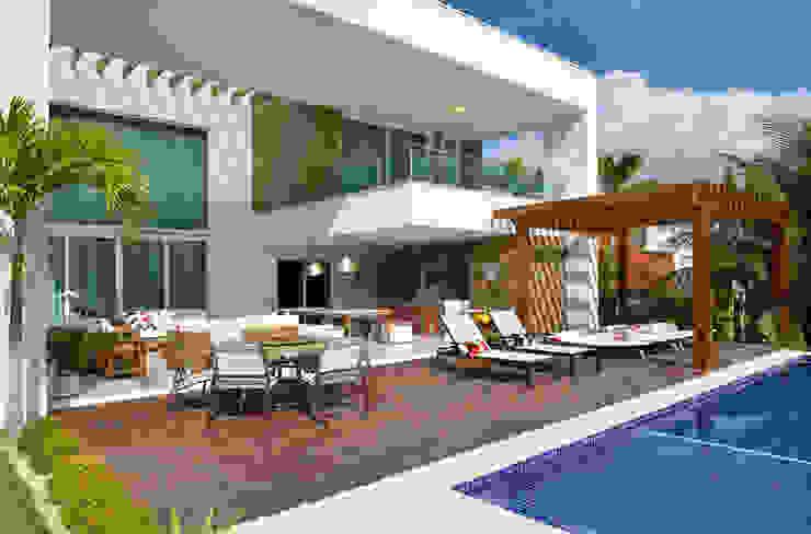 Pinheiro Martinez Arquitetura 泳池 木頭 Wood effect