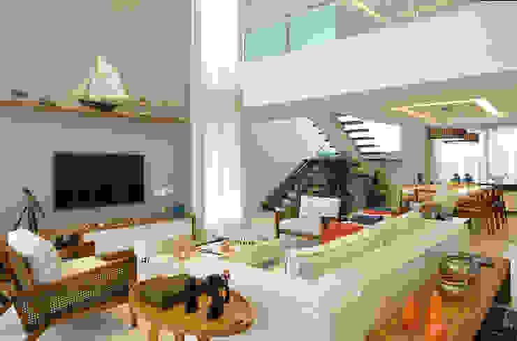 Salas modernas de Pinheiro Martinez Arquitetura Moderno