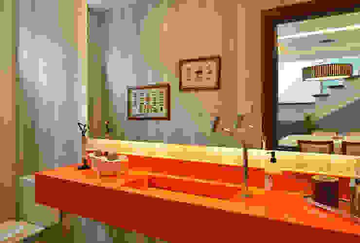 Bathroom by Pinheiro Martinez Arquitetura