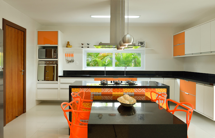 Pinheiro Martinez Arquitetura Dapur Modern Orange
