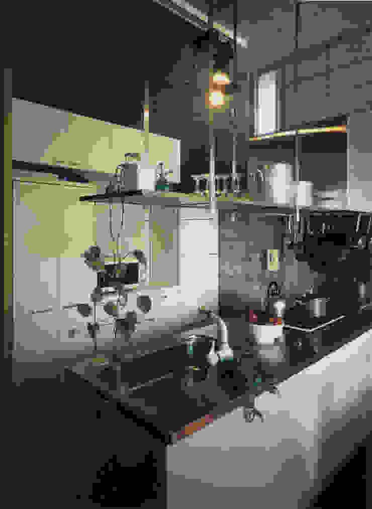 キッチン モダンな キッチン の 原 空間工作所 HARA Urban Space Factory モダン 鉄/鋼