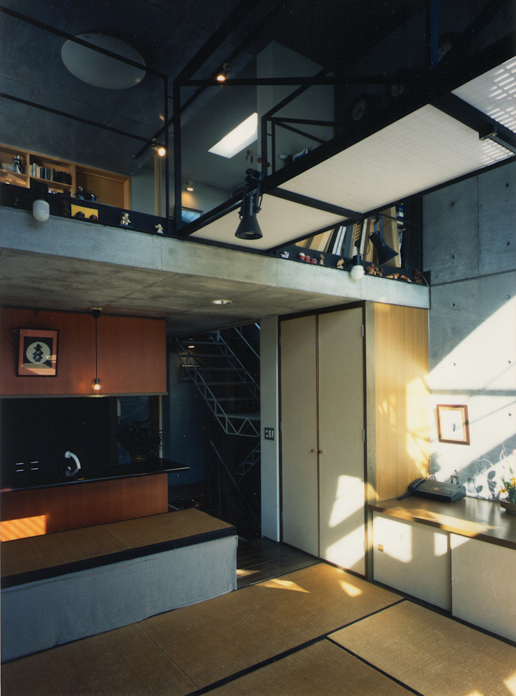 2階 居間 モダンスタイルの 玄関&廊下&階段 の 原 空間工作所 HARA Urban Space Factory モダン 鉄/鋼