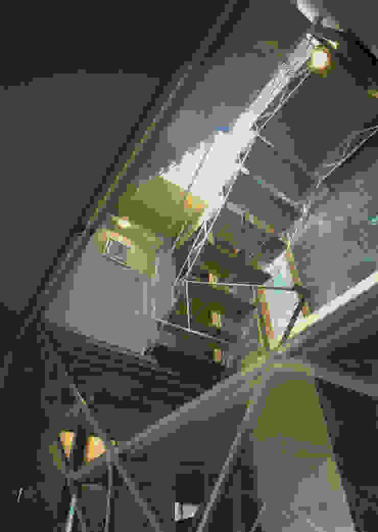 階段 モダンスタイルの 玄関&廊下&階段 の 原 空間工作所 HARA Urban Space Factory モダン 鉄/鋼