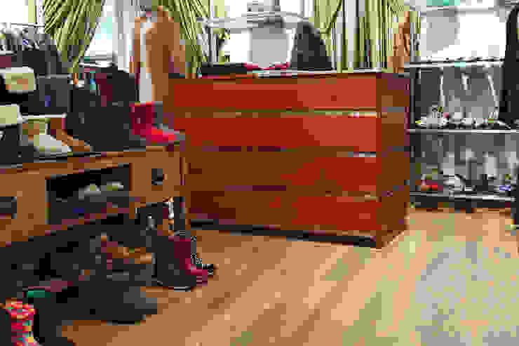 Мебель для бутика одежды от Lesomodul Классический