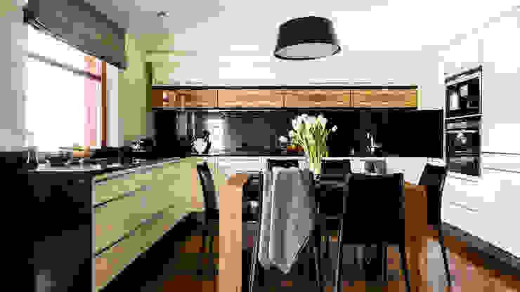 Cocinas de estilo moderno de Anna Serafin Architektura Wnętrz Moderno