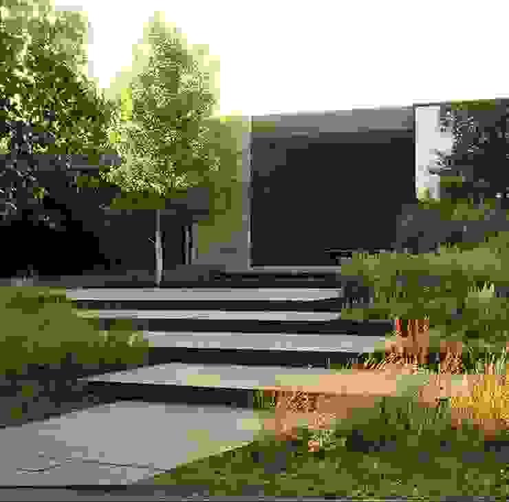 Giardino moderno di Ecologic City Garden - Paul Marie Creation Moderno