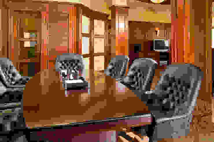 Отделка кабинета деревом Рабочий кабинет в классическом стиле от Lesomodul Классический