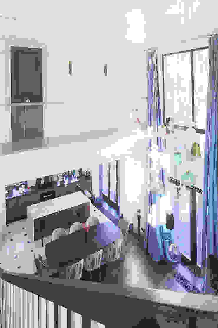 Industrial style balcony, veranda & terrace by Lesomodul Industrial