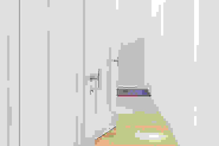 Двери межкомнатные элитные в светлых тонах от Lesomodul Средиземноморский