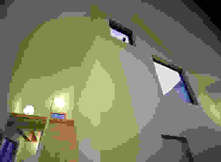 من シミズアトリエ 一級建築士事務所 حداثي زجاج