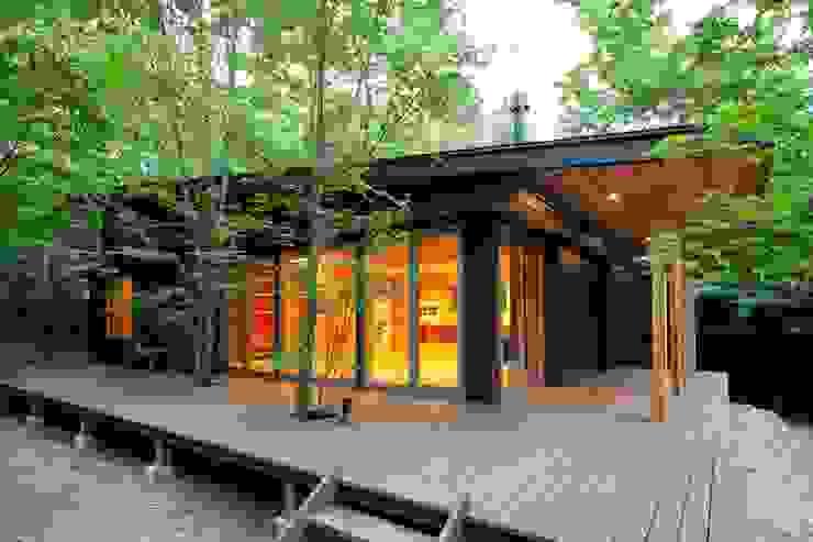 現代房屋設計點子、靈感 & 圖片 根據 吉田建築設計事務所 現代風 鐵/鋼