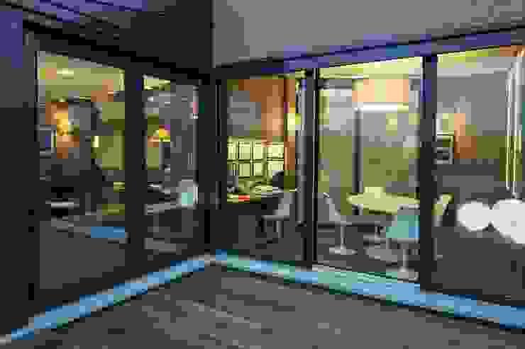 terrazza Finestre & Porte in stile moderno di Rizzo 1830 Moderno Legno Effetto legno