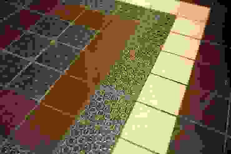 Санузел. Фрагмент керамической плитки на полу. INTERIOR PROJECT studio