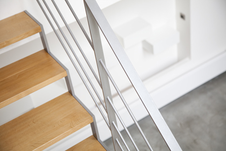 modern  by MELANIE LALLEMAND ARCHITECTURES, Modern