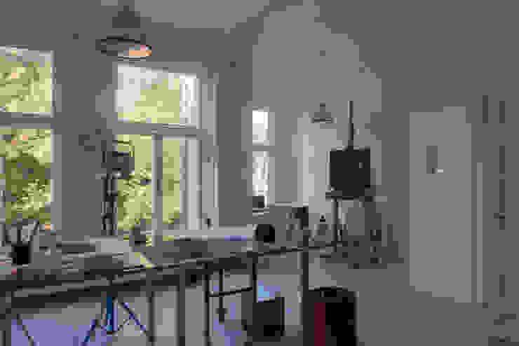 GLAZEN UITBOUW DUINWEG_05 Moderne studeerkamer van HOYT architecten Modern