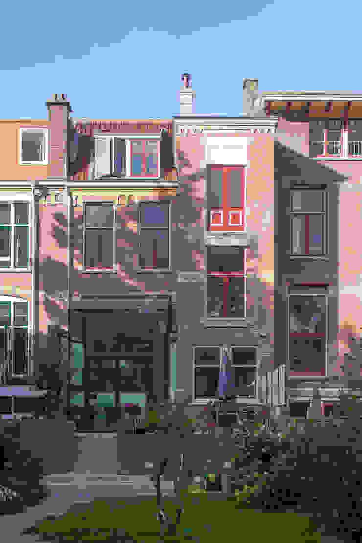 GLAZEN UITBOUW DUINWEG_03 Moderne huizen van HOYT architecten Modern
