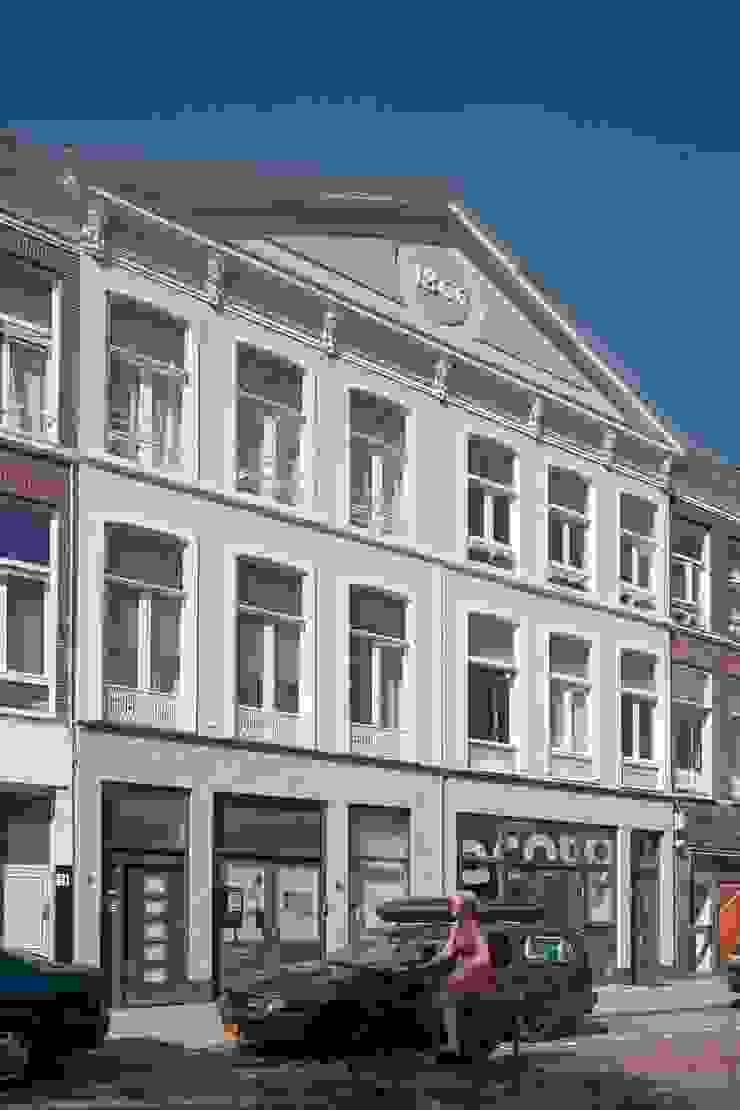 TRANSFORMATIE VAN KERK NAAR KANTOOR_03 Moderne kantoorgebouwen van HOYT architecten Modern