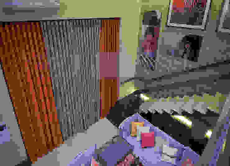 Loft Sustentável - Ambiente da Casa Cor SC 2015 Studium Saut Arte & Interiores Corredor, vestíbulo e escadasAcessórios e decoração