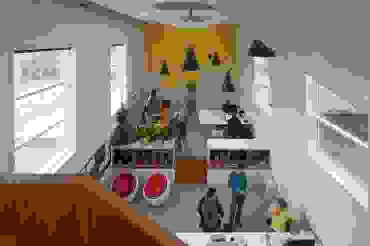 TRANSFORMATIE VAN KERK NAAR KANTOOR_04 Moderne kantoorgebouwen van HOYT architecten Modern